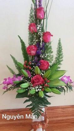 Flowers arrangements by: Nguyên Mẫn