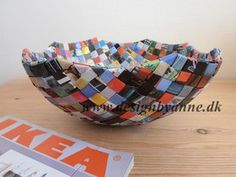 Paper Art, Paper Crafts, Candy Wrappers, Candy Bags, Decorative Bowls, Origami, Plastic Craft, Weaving, Handmade