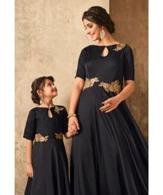 Baby Twins Fashion Daughters 18 Ideas For 2019 Mom Daughter Matching Dresses, Mothers Day Dresses, Dresses Kids Girl, Mother And Daughter Dresses, Mother Daughter Fashion, Red Lehenga, Anarkali, Lehenga Choli, Kids Gown