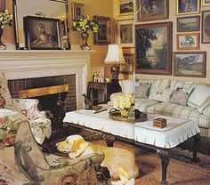 Betsy Speert's Blog: My cottage living room. Mmmm love this space.
