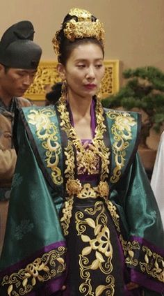 Traditional Dresses, Traditional Chinese, Empress Ki, Fan Bingbing, Hanfu, Culture, Royals, Seo, Korean Fashion