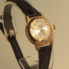 Vintage Women Jovial Hand Winding Watch, Swiss Made, 17 Jewels