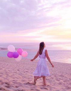 1.2.3 Paris - Coralie du blog ellesenparlent porte la robe BILITISS printemps-été 2017 #123paris #streetstyle #ootd #mode #fashion #shopping #blogueuse #blogger #blogueusemode #fashionblogger #printemps #ete #spring #summer #paris #chic #elegance #stripes #rayures #pink #rose #ballon #balloon #sunset #beach #plage
