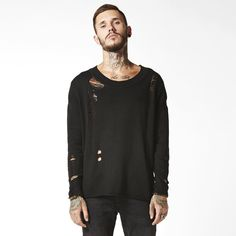 #man #fashion #destroyed #sweater www.attitudeholland.nl
