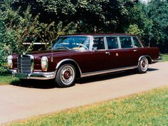 "definemotorsports: "" 1964 Mercedes-Benz 600 Pullman Limousine Introduced in September it had very few competitors, these being Rolls-Royce, Bentley, Cadillac Fleetwood the stretched Lehmann-Peterson Lincoln, and the Chrysler. Mercedes 600, Mercedes Benz Maybach, Audi, Porsche, Classic Motors, Classic Cars, Pablo Escobar, Automobile, Mercedez Benz"