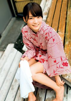 ) in Yukata. Hot Japanese Girls, Beautiful Japanese Girl, Cute Japanese, Japanese Beauty, Asian Beauty, Japanese Yukata, Japanese Outfits, Chinese Kimono, Kimono Japan