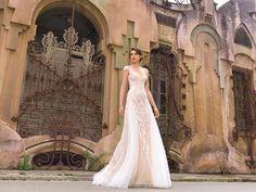 "Barcelona-""Street Couture"" 2017 Barcelona Street, One Shoulder Wedding Dress, Couture, Wedding Dresses, Fashion, Haute Couture, Bride Dresses, Moda, High Fashion"