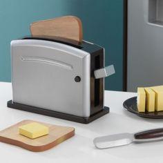 Juego de madera para hacer tostadas de Kidkraft, equipado con elementos para preparar ¡un buen desayuno!.