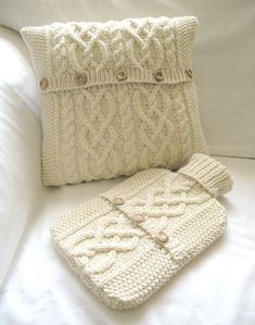 Bedroom Set – Cushion Cover and Hot Water Bottle Sweater / Cover- Cream – bantal leher neck pillow Sweater Pillow, Old Sweater, Knit Pillow, Cozy Sweaters, Crochet Home, Knit Crochet, Cushion Covers, Pillow Covers, Knitting Projects