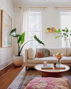 Unique Living Room Decor Ideas and Inspiration from Real Etsy Shoppers What's Decoration? Decoration could be the art of decorating … Boho Living Room, Home And Living, Bright Living Room Decor, Bohemian Living, Small Living Rooms, Home Design, Home Interior Design, Coastal Interior, Room Interior