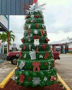 Top 20 Creative Christmas trees and decorations | PicturesCrafts.com