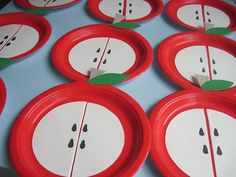 i like this apple paper plate craft - could be colors, counting, letter a, apples - all kinds of lessons with this one