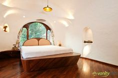 Located in the Bandra suburb of Mumbai, India, this beautiful apartment has 65 square meters and the interior of it was specially designed by The White Room for a young couple. The organic house, how Apartment Interior, Apartment Design, Taj Mahal, Wooden Bed Frames, Simple House Design, Architect House, White Rooms, Home Office Design, Living Spaces