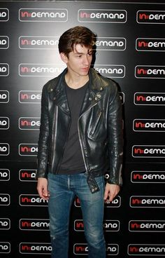 too gorgeous to be true Alex Turner, Arctic Monkeys, Monkey Puppet, Old School Fashion, Cool Fire, The Last Shadow Puppets, Classy Aesthetic, Perfect Man, Music Bands