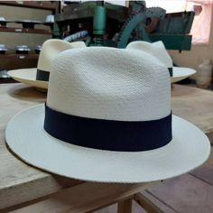 A Panamakalap maga stílus! Panama Hat, Hats, Fashion, Moda, Hat, Fashion Styles, Fashion Illustrations, Hipster Hat, Panama