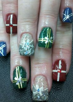 Christmas nail design 28 Creative Christmas Nail Designs