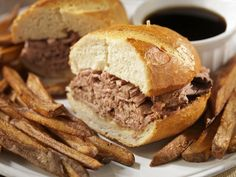This easy slow cooker pot roast is served in sandwich rolls with the flavorful juices for dipping. Delicious French dip sandwiches from the slow cooker. Roast Beef Recipes, Slow Cooker Recipes, Crockpot Recipes, Healthy Recipes, English Roast, Instant Pot French Dip, Beef Dip, Roast Beef Sandwiches, Favorite Recipes