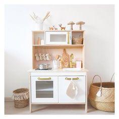 Sa petite cuisine ✨ Pas totalement terminée, je suis à la recherche d un papier peint ou tissus dans les tons de beige nude pour mettre en fond #cuisineikea #cuisineikeaenfant #duktig #ikea #cadeaudenoel #decoration #customisation #naturel #chambrebebe #chambredelou #maisondumonde #tricot #instamum #decointerieur Ikea Kids Chairs, Ikea Kids Desk, Ikea Kids Playroom, Ikea Kids Kitchen, Ikea Hack Kids, Kids Room, Teen Room Decor, Kids Decor, Diy Ikea Hacks