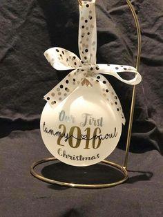 First Christmas, Christmas Bulbs, Cricut Christmas Ideas, Holiday Decor, Christmas Light Bulbs