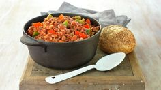 Chili con carne - Rask - Oppskrifter - MatPrat Fin base for chilli Beef Recipes, Recipies, Recipe Collection, Salsa, Dinner Recipes, Food And Drink, Soup, Diet, Baking
