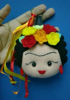 Max chaveiro de feltro, ideal para enfeitar bolsas e mochilas. Um presente especial e único Felt Crafts Diy, Arts And Crafts, Mexican Costume, Mexican Crafts, Felt Decorations, Felt Ornaments, Needle Felting, Diy Gifts, Craft Ideas