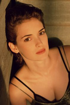 Set #038 - 002 - Winona Forever Photo Gallery   part of Winona-Ryder.org