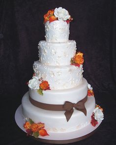 Beautiful fall wedding cake