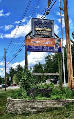 7. Moat Mountain Smokehouse and Brewery, North Conway