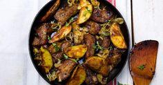 Recette de Sauté de porc maigre aux pommes de terre et aux oignons. Facile et rapide à réaliser, goûteuse et diététique.