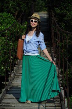 Miss Green: Maxi skirt, maxi fun