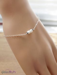 Freshwater pearl bracelet Flower girl White pearl by GlowWish