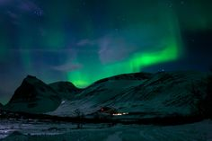 Northern lights over Kebnekaise, Sweden by Peter Weibull