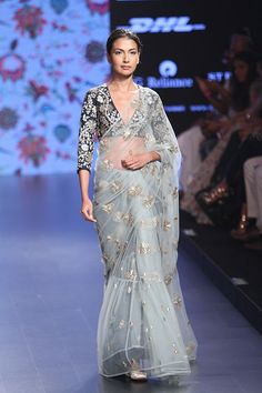 How stunning does this light blue net saree look with a black blouse #LFW #LIFW2016 #summerfashion #Frugal2Fab