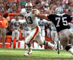Dan Marino, Miami Dolphins and Howie Long, Oakland Raiders College Football Coaches, Football Boys, Football Match, School Football, Football Memes, Football Players, Nfl Raiders, Oakland Raiders Football, Raider Nation