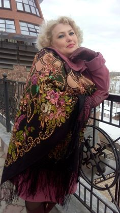 Цыганка Аза * Павловопосадские платки и шали * Russian Pavlovo Posad shawls