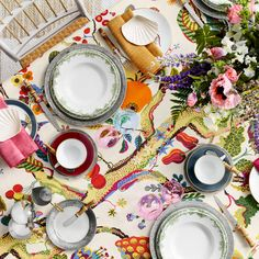 Midsummer Table Setting, Svenskt Tenn.