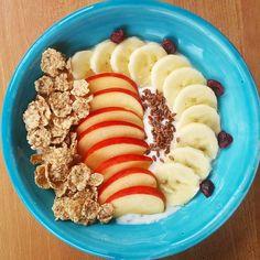 Frühstück: Quark mit Apfel Banane Leinsamen und Vollkorn Cornflakes  ca. 300 Kalorien  . #dietdiary #myfitnesspal #lowcalorie #lowcarb #lowfat #1200 #1200kalorien #1200calories  #heatlyfood  #weightloss  #weightlossjourney #diät  #abnehmen #kalorienzählen #countingcalories #yoghurtbowl #smoothiebowl #gesundesfrühstück #healthybreakfast #fitindentag #foodporn #breakfastbowl by happy_healthy_food_diary