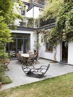 How Does Pergola Provide Shade Key: 8236929095 Patio Interior, Interior Exterior, Exterior Design, Backyard Sheds, Backyard Patio, Diy Patio, Patio Wall, Renovation Facade, Cement Patio