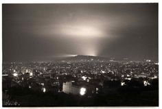"""Barcelona 1938 """"Bombardeo de los depósitos de Campsa en la carretera de Can Tunis""""  Foto:Josep Brangulí"""