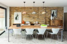 Find Charming Dining Room Design Ideas With Exposed Brick Wall To Impress Your Guests Modern Dining Room Lighting, Dining Room Wall Decor, Dining Room Sets, Dining Room Design, Kitchen Decor, Dining Table, Basement Kitchen, Table Lighting, Lighting Ideas