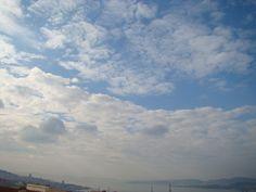 Dende San Xoán do Poulo. Este   tipo de nubes chámanse estratocúmulos.