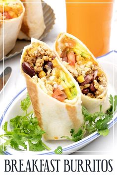 You'll probably love this Breakfast Burrito recipe if you're a busy person in the morning. We'll show you how to make this delicious Mexican breakfast with step-by-step photos and useful tips! #breakfast #burrito #Mexican #healthy #easy #pork #avocado #vegetables #bean #healthyrecipes101 Best Pork Recipe, Pork Recipes, Easy Healthy Breakfast, Best Breakfast, Brunch Recipes, Picnic Recipes, Best Mexican Recipes, Mexican Breakfast, Picnic Foods