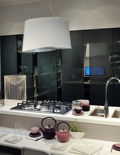 E.ion is the new range hood collection from Falmec, equipped with the bipolar controlled ionization to eliminate the odors and sanitize the air at home. [...]