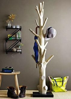 Haus ideen – Branch coat rack – 15 Practical DIY Woodworking Ideas for Your Home – Ideen Dekorieren Tree Coat Rack, Coat Racks, Coat Tree, Coat Hanger, Diy Coat Rack, Coat Storage, Wooden Coat Rack, Wooden Hangers, Storage Rack
