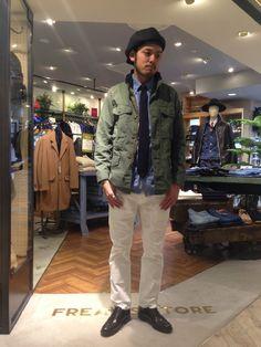 FREAK'S STOREのミリタリージャケットを使ったショップスタッフ 市川 奏太さんのコーディネートです。│今季はホワイトデニムが気分です!ミリ...