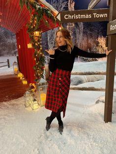 Cute Christmas Outfits, Christmas Town, Hallmark Christmas, Candance Cameron Bure, Modest Fashion, Fashion Outfits, Fuller House, December 1st, Hallmark Channel