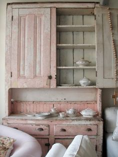 Shabby Chic Style, Rachel Ashwell, White Decorating, Shabby Chic Decor « My Website Cottage Shabby Chic, Cocina Shabby Chic, Shabby Chic Mode, Style Shabby Chic, Shabby Chic Bedrooms, Shabby Chic Kitchen, Cottage Style, Small Bedrooms, Guest Bedrooms