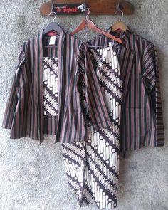 New fashion outfits indian women ideas Batik Kebaya, Kebaya Dress, Blouse Batik, Batik Dress, Muslim Fashion, New Fashion, Fashion Ideas, Indian Fashion, Fall Fashion