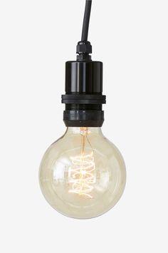 Kattovalaisin ulkokäyttöön (lampunpidike ja johto ip44). Korkeus 6, 5 cm. ø 4,5 cm. Kuminen johto, jossa seinäpistoke. Johdon pituus 350 cm. Iso lampunkanta E27. Enintään 40 W. Tilaa lamppu erikseen.