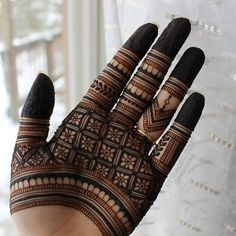 Modern Mehndi Designs for Hands By Henna CKG - Fashion Very Simple Mehndi Designs, Indian Mehndi Designs, Mehndi Designs For Beginners, Modern Mehndi Designs, Mehndi Design Pictures, Mehndi Designs For Girls, Finger Henna Designs, Wedding Mehndi Designs, Mehndi Designs For Fingers